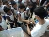 3-alunos-da-escola-crenildes-luiz-brandao-juazeiro-conhecem-uma-cobra-da-caatinga-de-perto-24-05-13