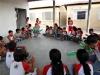 2-alunos-da-escola-bolivar-santanna-juazeiro-aprendem-como-reutilizar-garrafas-pets-na-construcao-da-horta-maio-2013