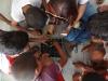 6-alunos-do-centro-educacional-joao-xxiii-juazeiro-apredem-a-reciclar-caixa-de-ovos-na-construcao-da-horta-escolar-maio-2013