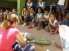 alunos-aprendem-a-fazer-jardineiras-com-pets-recicladas-escola-anesio-leao-petrolina-pe-17-10-2012