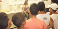 Estudantes visitam Laboratorio de Sementes do CRAD-Univasf - Escola Iracema Pereira da Paixao - Juazeiro-BA (18-10-2012)