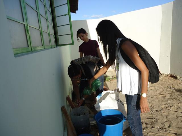 Oficina de Compostagem - Escola Anete Rolim - Petrolina-PE (18-10-2012)