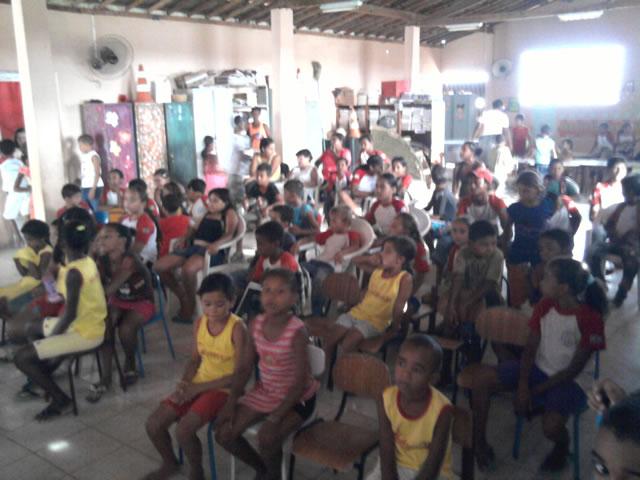 Palestra sobre reciclagem - Escola Profa Helena Araujo 2 - Juazeiro-BA (18-10-2012)[1]