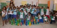 alunos produziram jardineiras para cultivo de hortalicas - Escola Odete Sampaio 2 - Petrolina-PE (17-10-2012)