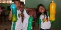 alunos produziram jardineiras para cultivo de hortalicas - Escola Odete Sampaio - Petrolina-PE (17-10-2012)