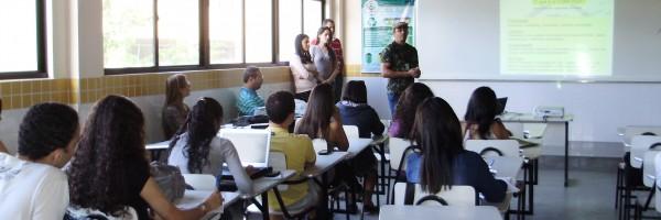 5. Alunos abordam a necessidade de mudanças nas Escolas para a adequação ambiental no segundo dia da  3ª CREAI em Juazeiro - BA(09.06.13)