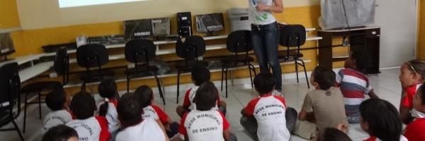 Atividade de Arborização na Escola José Padilha de Souza - Juazeiro - BA, 18/09/2013