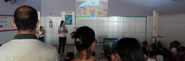 Atividade de Arborização na Escola Carmen Costa, Bairro Alto da Aliança - Juazeiro - BA, 20/09/2013