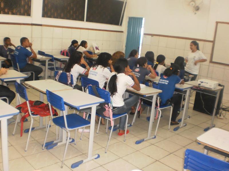 Oficina de Reciclagem na Escola Cecílio Mattos - Juazeiro-BA - 06.05.2014