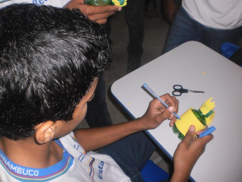 Oficina de Reciclagem na Escola Humberto Soares - Petrolina-PE - 14.05.2014