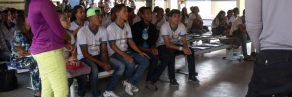 Atividade de coleta seletiva - Escola Adelina Almeida - Petrolina-PE - 12.06.15