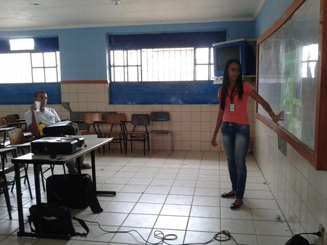 Atividade de coleta seletiva - Colégio Estadual Arthur Oliveira - Juazeiro-BA - 10.08.15