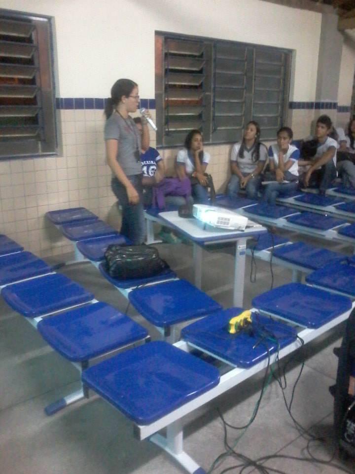 Atividade de coleta seletiva - Escola Gercino Coelho - Petrolina-PE - 17.06.15